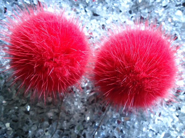 "2 mink pompoms / mink beads "" cherry red """