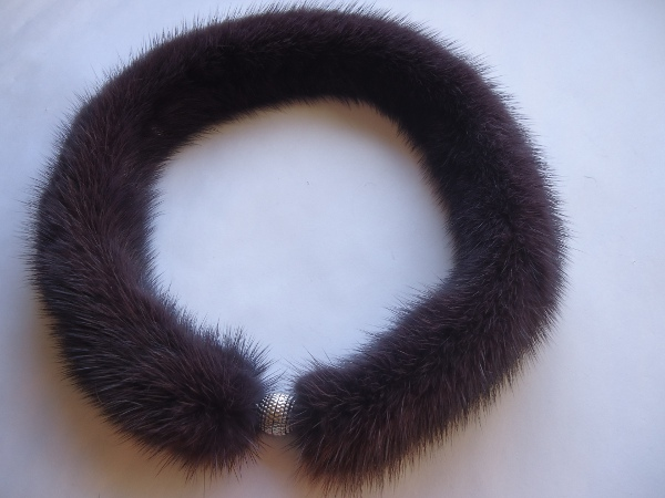 "necklace made of mink ""aubergine """