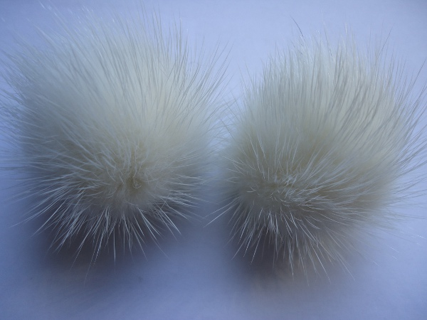 "2 mink  pompoms / mink beads for shoes / shoelaces "" woolwhite """