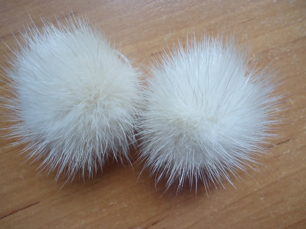 "2 mink  pompoms / mink beads for shoes / shoelaces "" cream"""