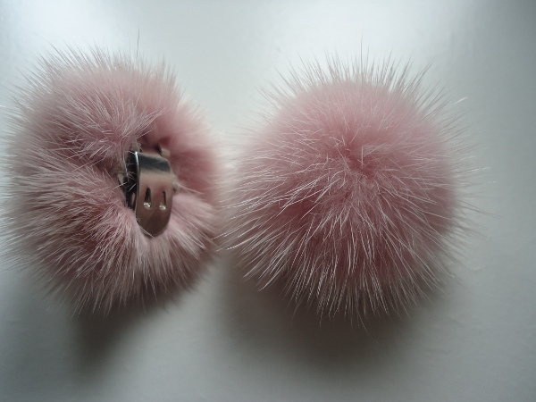 "2 clips with mink pompom for shoes, caps, scarfs "" rose """