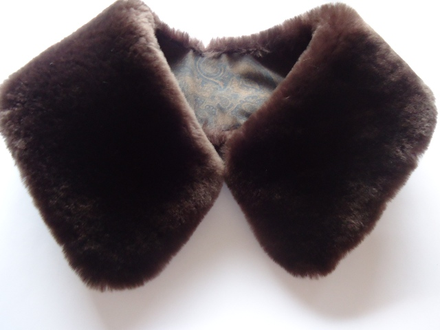 "Lambskin collar "" darkbrown """