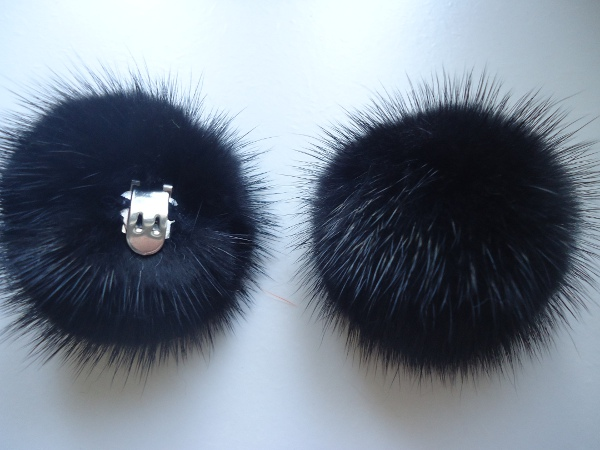 "2 clips with mink pompom for shoes, caps, scarfs "" black 6 cm"""