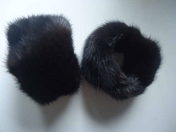 "Noble wrist cuffs / wrist warmers made of real mink saga "" deep"