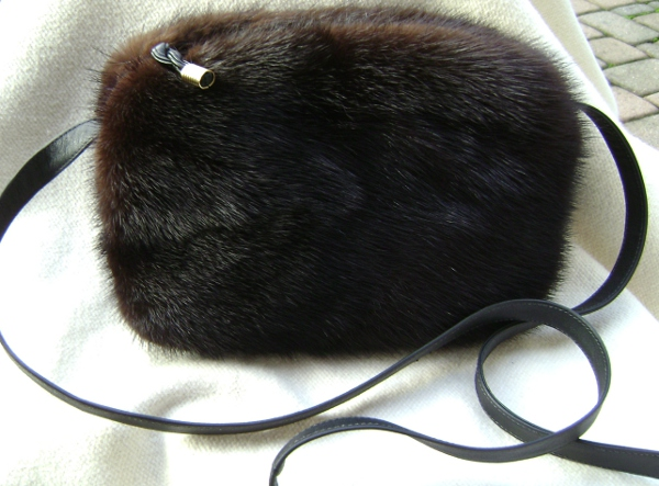 Small mink bag of SAGA mink