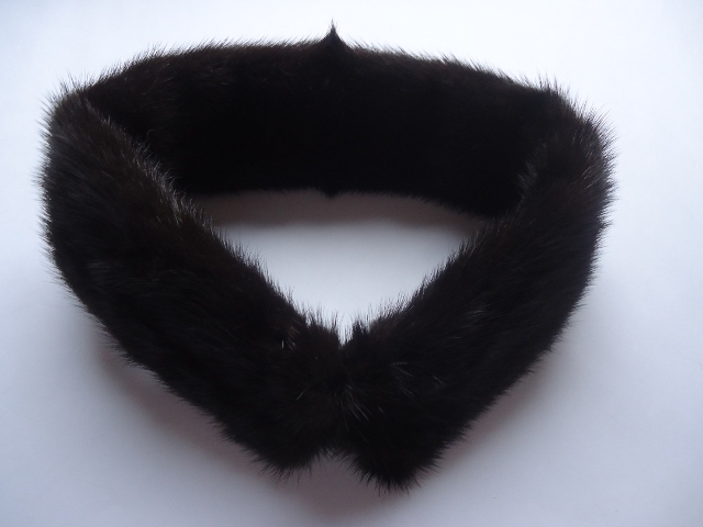"Mink loop made ​​of genuine Mink "" darkbrown """