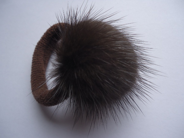 "Hair elastic with mink ball "" mocca """