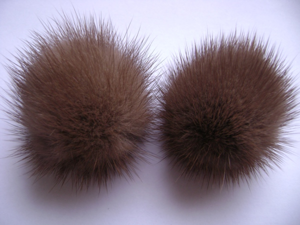 "2 mink  pompoms / mink beads for shoes / shoelaces "" demi Buff """
