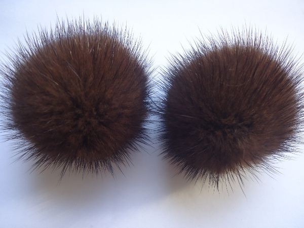 "2 mink  pompoms / mink beads for shoes / shoelaces "" mocca """