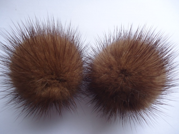 "2 mink  pompoms / mink beads for shoes / shoelaces ""  latte macc"