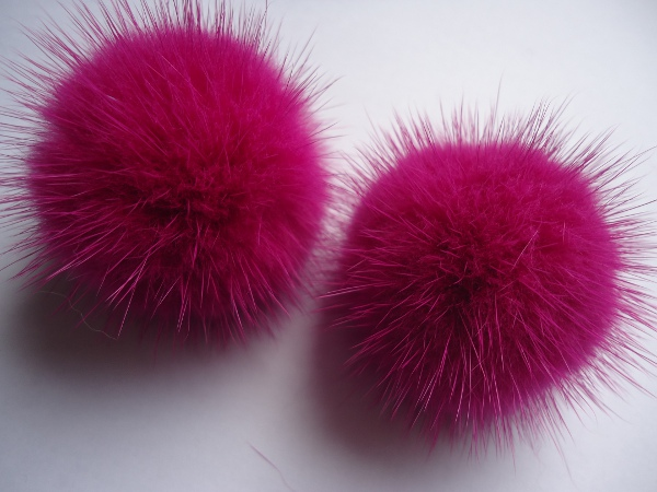 "2 mink  pompoms / mink beads for shoes / shoelaces "" berrypink"