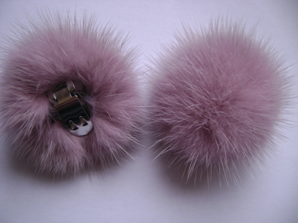 "2 clips with mink pompom for shoes, caps, scarfs "" rosewood """