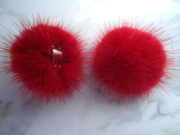 "2 clips with mink pompom for shoes, caps, scarfs "" bright red """