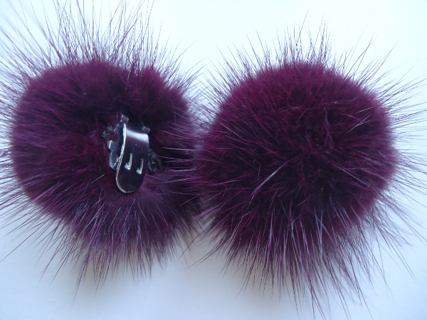 "2 clips with mink pompom for shoes, caps, scarfs "" berry """