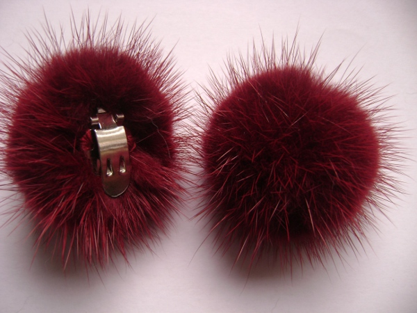 "2 clips with mink pompom for shoes, caps, scarfs "" bordeaux """