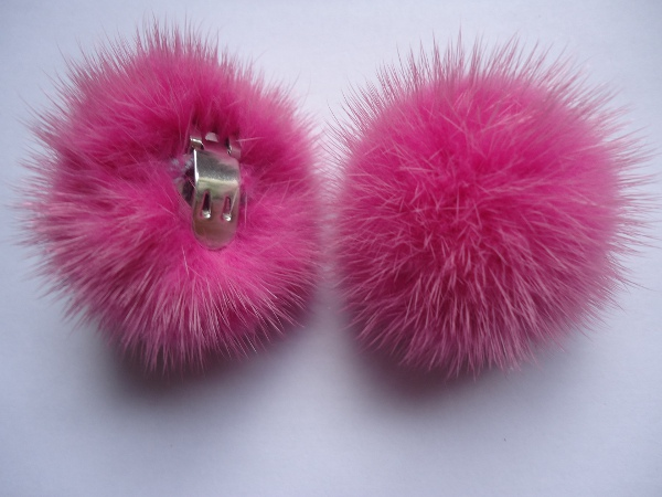 "2 clips with mink pompom for shoes, caps, scarfs "" rosapink """